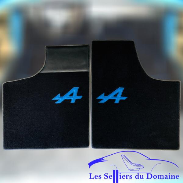 Renault Alpine A110 Berlinette set sur tapis sur-tapis Noir a bleu et tour noir