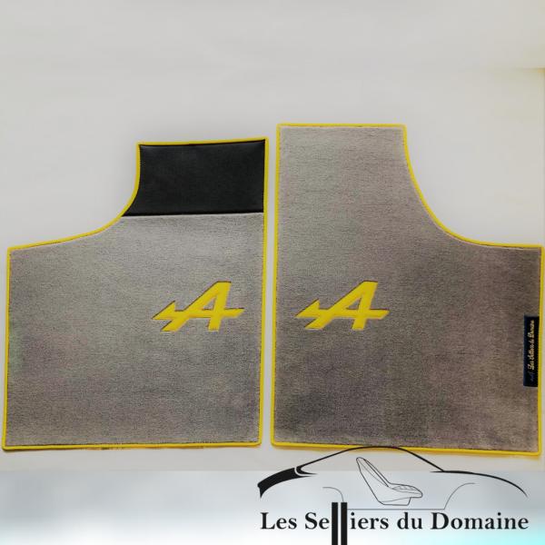Renault Alpine A110 Berlinette set sur tapis sur-tapis moquette Grigio A et tour jaune