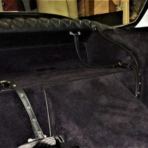 Renault Alpine A110 Berlinette strap has black luggage simili carpet