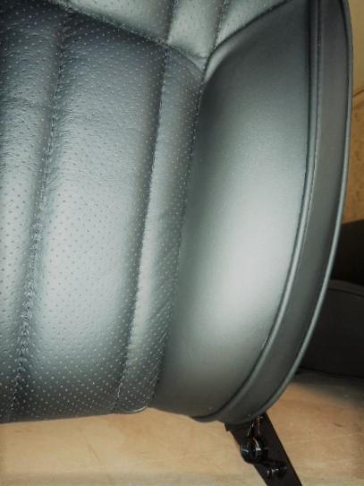Renault Alpine A110 Berlinette siege siège inclinable personnalisation en cuir perforé