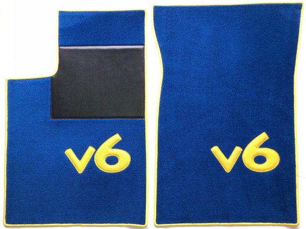 Renault Clios 16's 16s set sur tapis sur-tapis moquette bleue Lettres et tour jaune