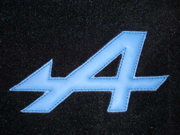 Renault Alpine A110 Berlinette set sur tapis sur-tapis noir bleu