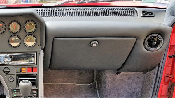 Boite à gant en cuir gris charbon A310 V6
