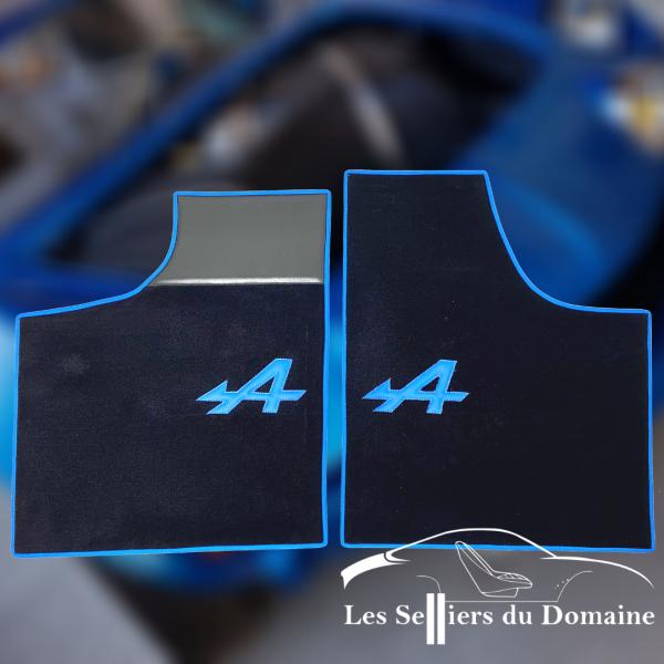 Renault Alpine A110 Berlinette set sur tapis sur-tapis Noir a bleu et tour bleu