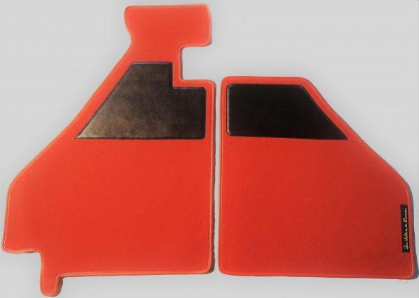 Ferrari sur tapis sur-tapis moquette rouge noir