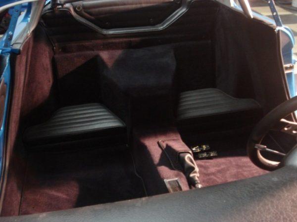 Renault Alpine A110 Berlinette moquette chocolat marron avant