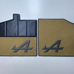 Paire de sur-tapis avant V6GT Alpine Renault V6 GT moquette marron noir beige