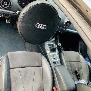 Housse de volant Audi simili noir