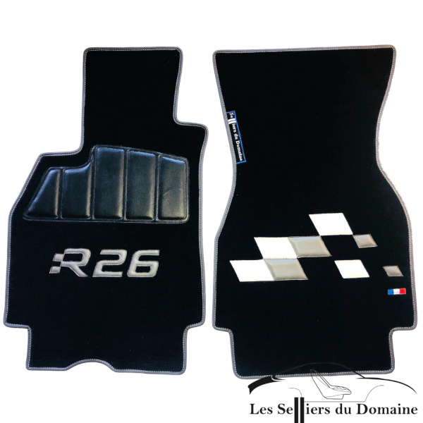 Sur Tapis Megane RS R26 Damiers moquette noire damiers en cuir gris et blanc