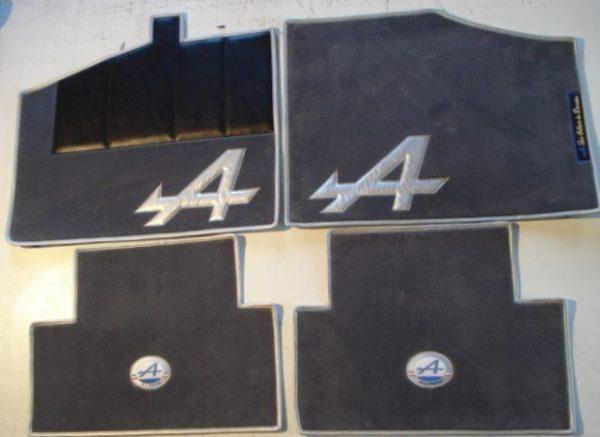 Renault Alpine V6GT GTA set sur tapis sur-tapis gris argent blanc nacré nacre