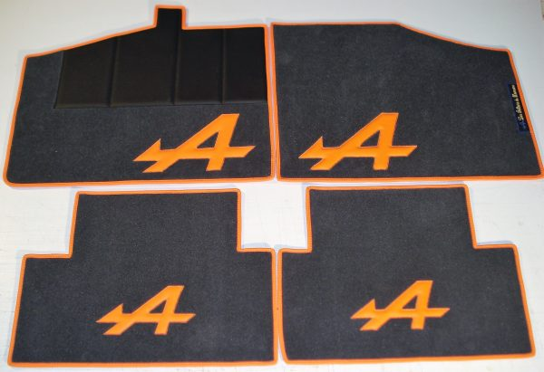 Renault Alpine V6GT GTA set sur tapis sur-tapis gris orange