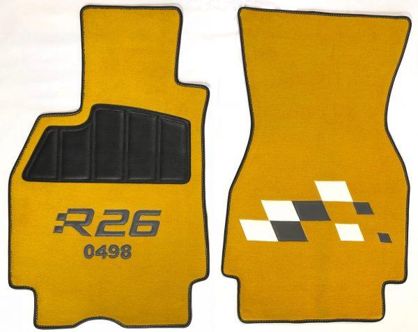 renault megane mégane RS R26 sur tapis sur-tapis damiers noir