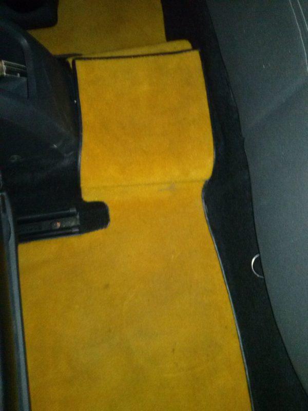 Renault megane Mégane RS jaune sirius tapis moquette arriere arrière