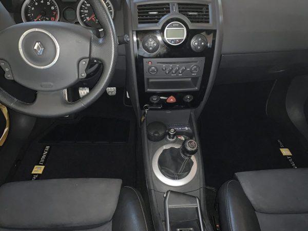 Renault sport Mégane Megane R26 RS 3 carpet mats on black domain saddlers